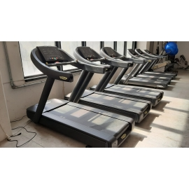 Tapis Roulant Technogym Run Now Led - 700 Excite - Colorazione Matt Black (Ricondizionato)